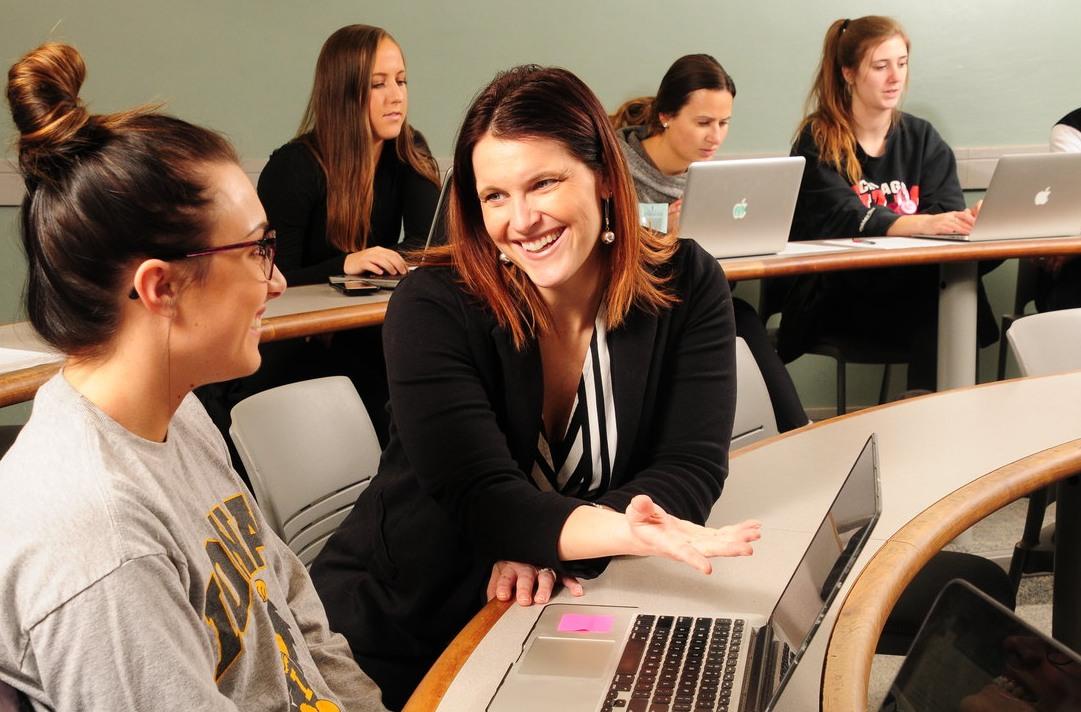 Beth Livingston teaching a class